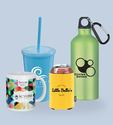 Kopper og drikkeflasker med logo